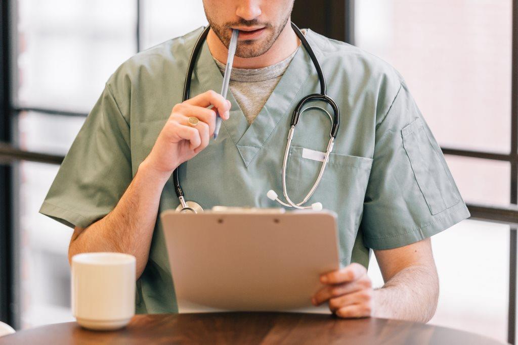 Milyen korai tünetekről ismerhető fel a COPD?