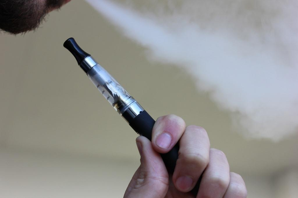 A nikotinmentes e-cigaretta is ártalmas?